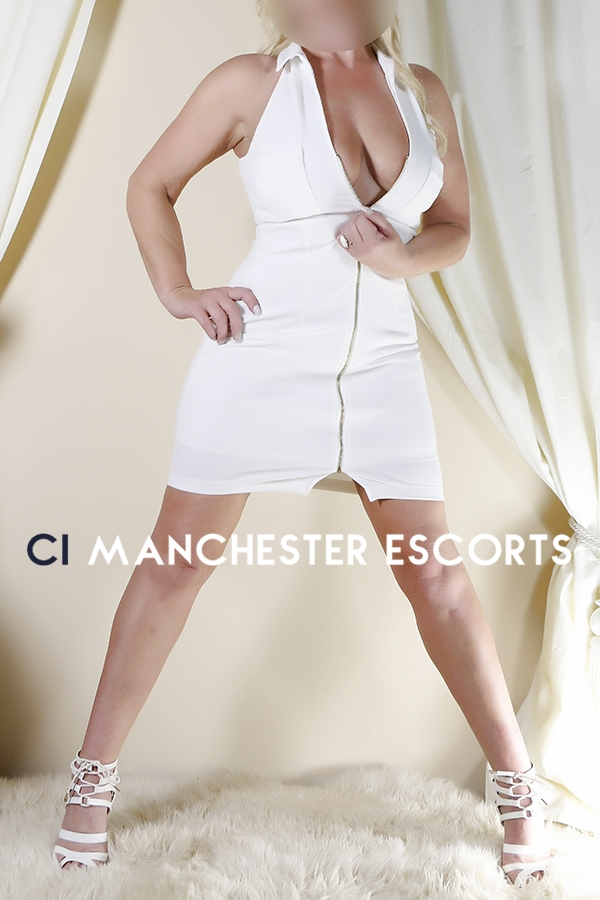 Tara from CI Manchester Escorts